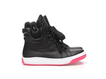 black-sola-pink-3